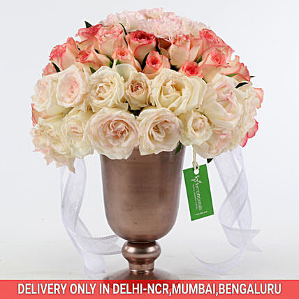 Order Online Trophy Of Delightful Flowers