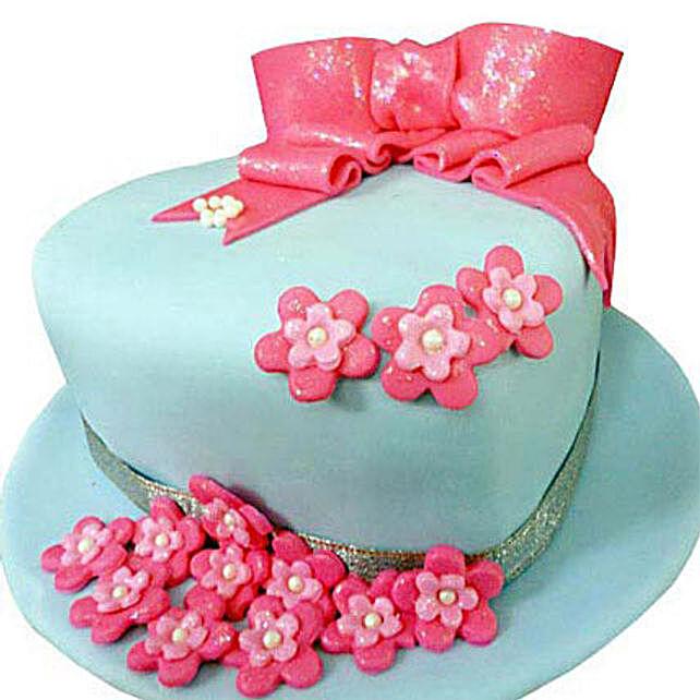 Fondant Hat Cake 2kg Butterscotch Eggless