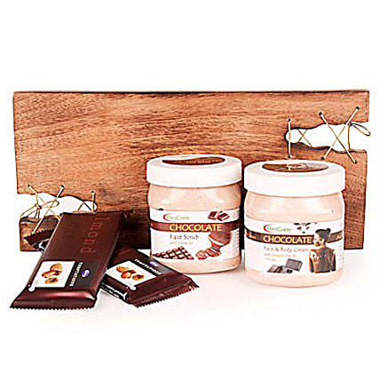 Pampering With Chocolate Spa Hamper By FNP