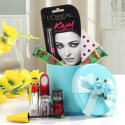 Cosmetics hamper
