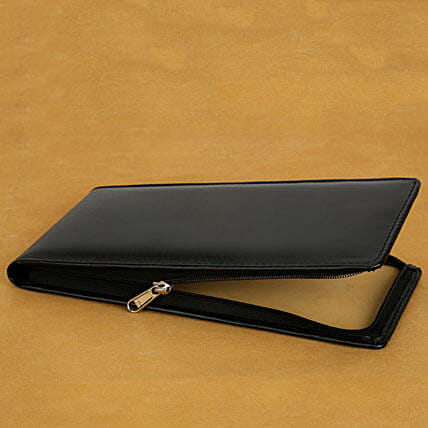 Cheque book holder:Leather Gifts