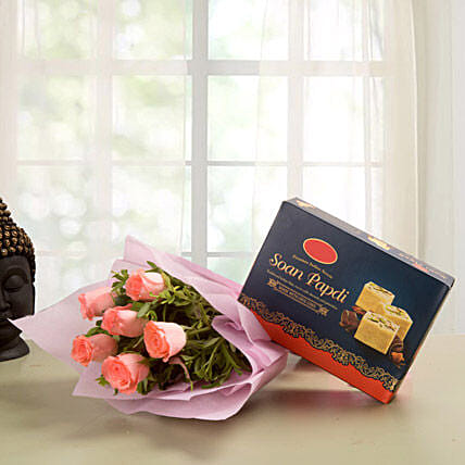 Elegance Hamper - Bunch of 6 Pink Roses with 500gm Soan Papdi.:Send Flowers & Sweets for Diwali