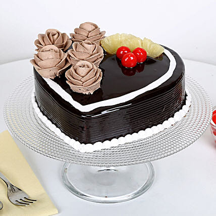 Chocolate Heart Cake 2Kg Eggless