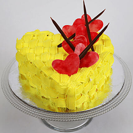 Decorated Hearts Pineapple Cake Half Kg Eggless