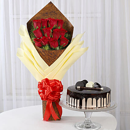 Red Roses Bouquet with Chocolate Cake Online