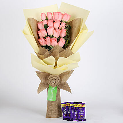 Multi Layered Pink Roses Bouquet with Chocolates Online