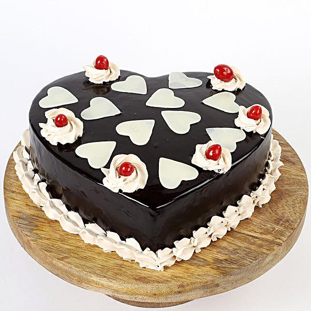 Heart shape cake for him