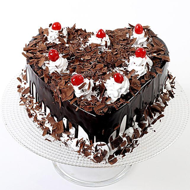 Flakey Hearts Black Forest Cake Half Kg Eggless