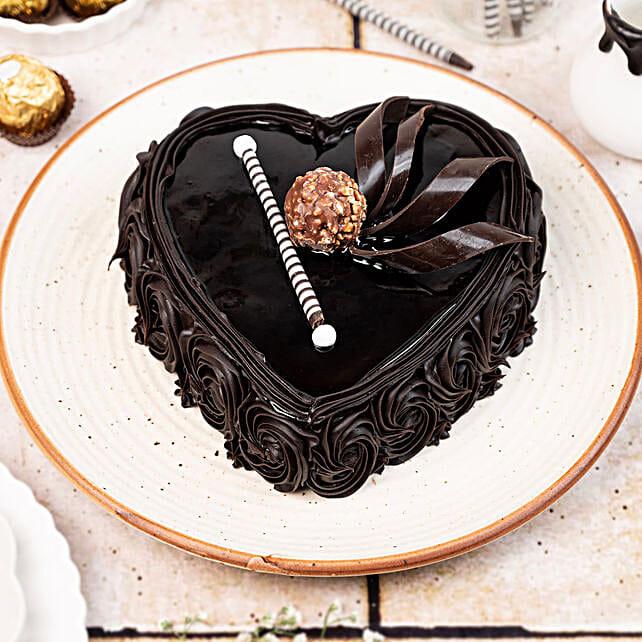 Heart Chocolate Cake 1kg