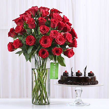 sweet celebration with red roses n truffle cake