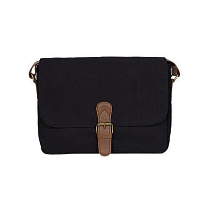 Purseus Sailing Sally Hand Messenger- Black