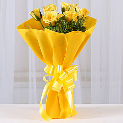 Enticing 8 Yellow Roses Bouquet