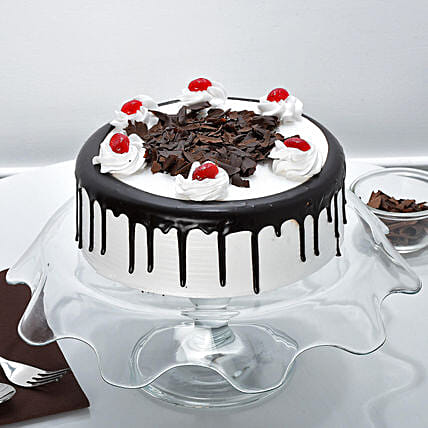 Rich Black Forest Cake Half kg Eggless