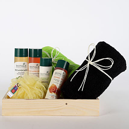 Luxurious Herbal Spa Hamper-Body Wash,Massage Oil,Skin Lotion 210 ml each,150 grams Orange Peel Body Soap,Loofah,2 hand towels,2 floating candles