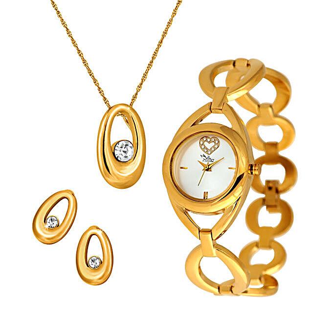 golden set of jewellery for her