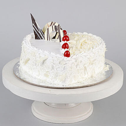 Heart Shaped White Forest Cake- Half Kg