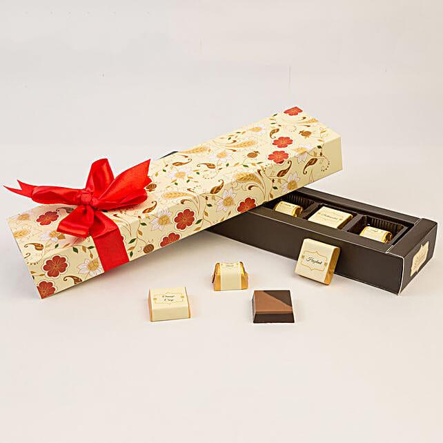 Floral Box Of Chocolates- 6 Pcs