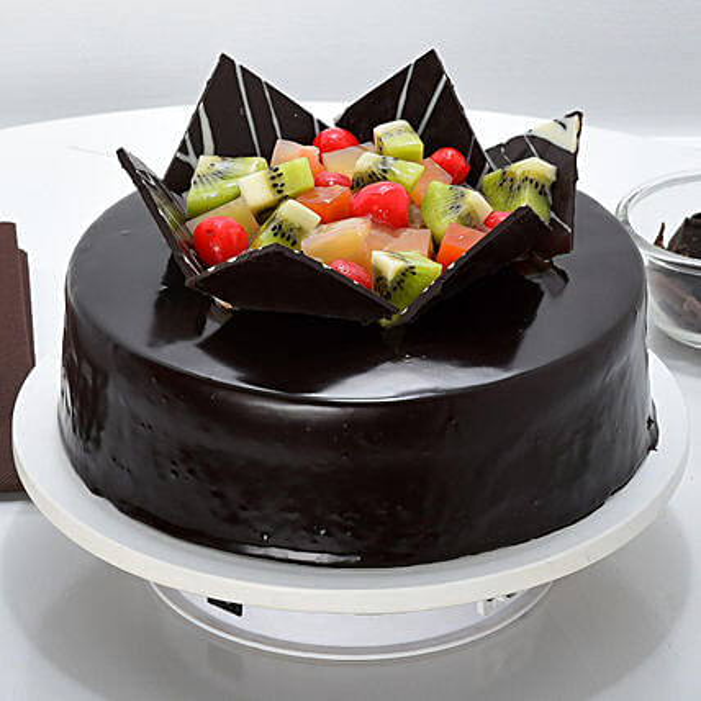 Chocolate Fruit Gateau Half kg:Send Chocolate Cakes