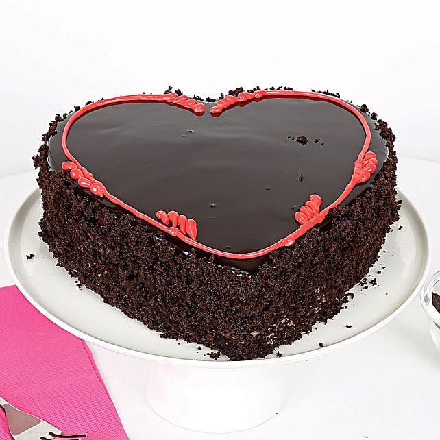 Heavenly heart valentine cake half kg Eggless