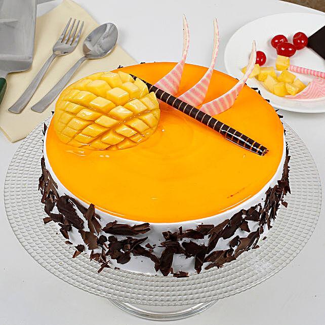 Special Mango Fruit Cream Cake Half kg