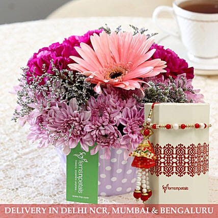 Daisies Bouquet and Rakhi for Bhai Bhabhi