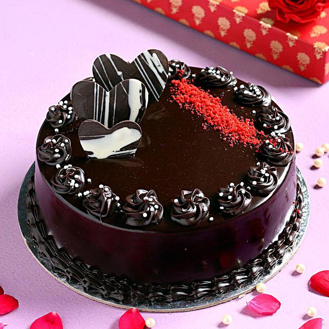 Heavenly Chocolate Cream Cake- Half Kg Eggless