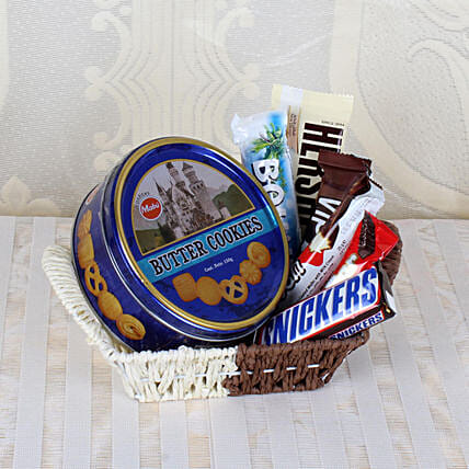 Cookie and Chocolate Basket Online