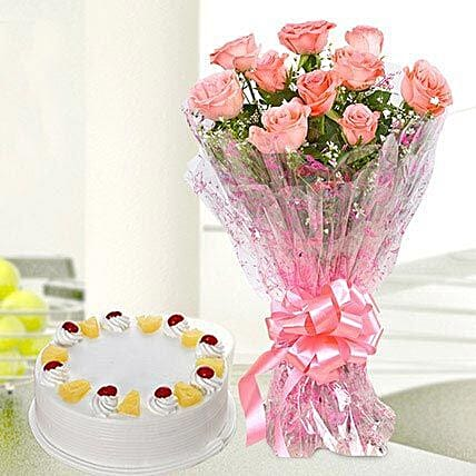 Fragrancing Bouquet With Mouthwatering Cake