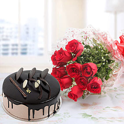Red Roses And Eggless Chocolate Cake Combo