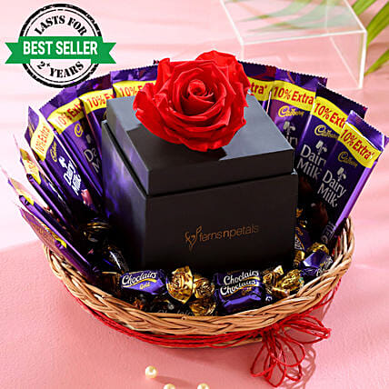 online infinity rose with chocolate basket