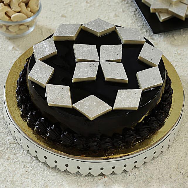 cake with kaju katli toppings:Fusion Cakes