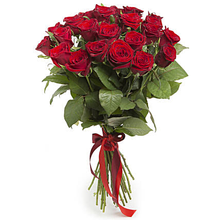Dreaming In Red Rose Bunch