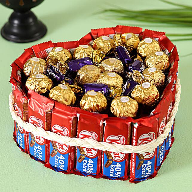 Ferrero Rocher Kitkat Heart Pie