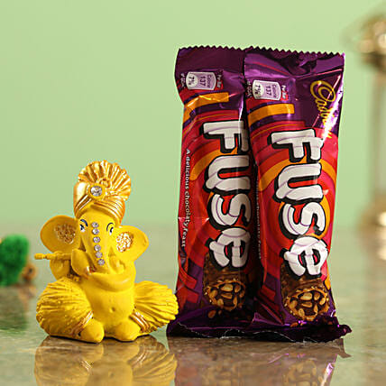 Cadbury Fuse Chocolate Bars & Matte Yellow Ganesha Idol Combo  Online