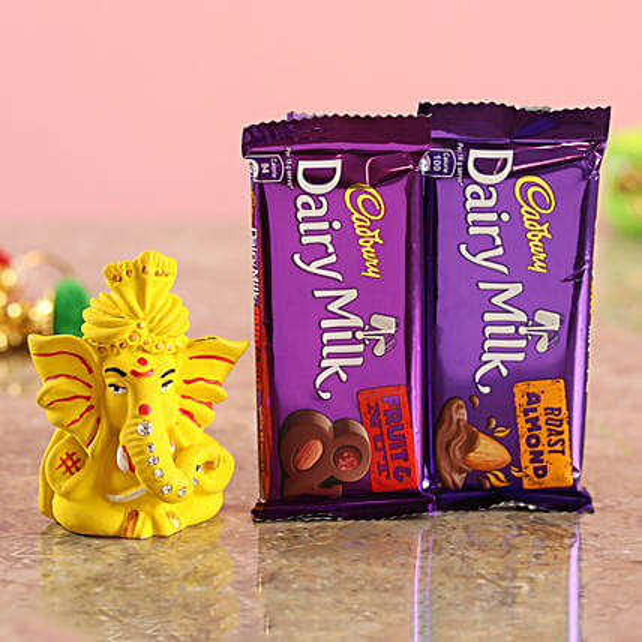 Online Delicious Roast Almond Combo & Yellow Ganesha Idol:Diwali Combos