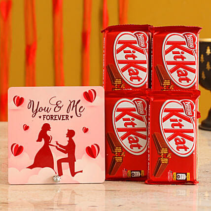 Love Table Top & Kitkat Gift Combo