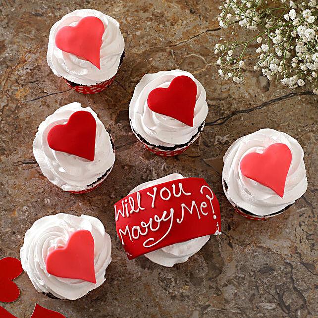Lovely Hearts Fondant Vanilla Cup Cakes