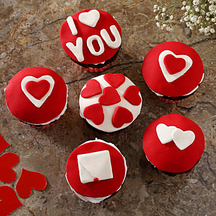 Valentine Hearts Chocolate Cup Cakes:Buy Cupcakes