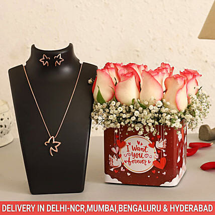 Online Pastel Roses Vase And Necklace Set:Valentines Day Jewellery
