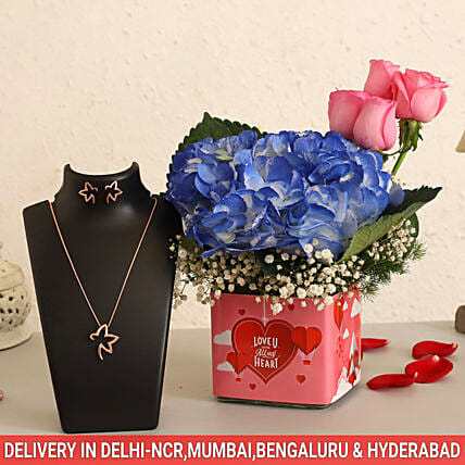 Online Roses And Necklace Set Combo:Send Valentines Day Jewellery