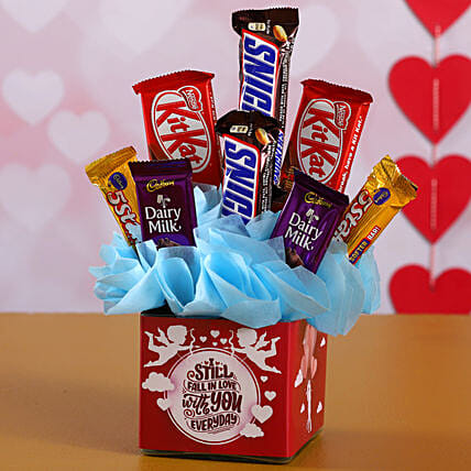 Assorted Chocolates In Fall In Love Glass Vase