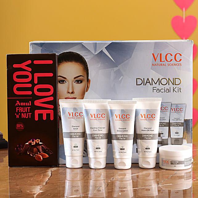 VLCC Diamond Kit And Amul Fruit N Nut