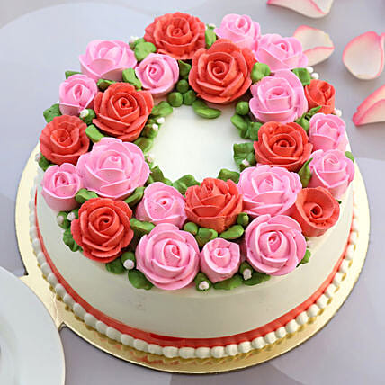 Roses All Around Butter Scotch Cake