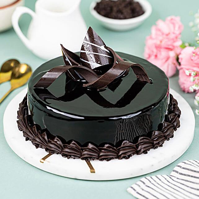 Chocolaty Truffle Half kg Eggless:Anniversary Chocolate Cakes