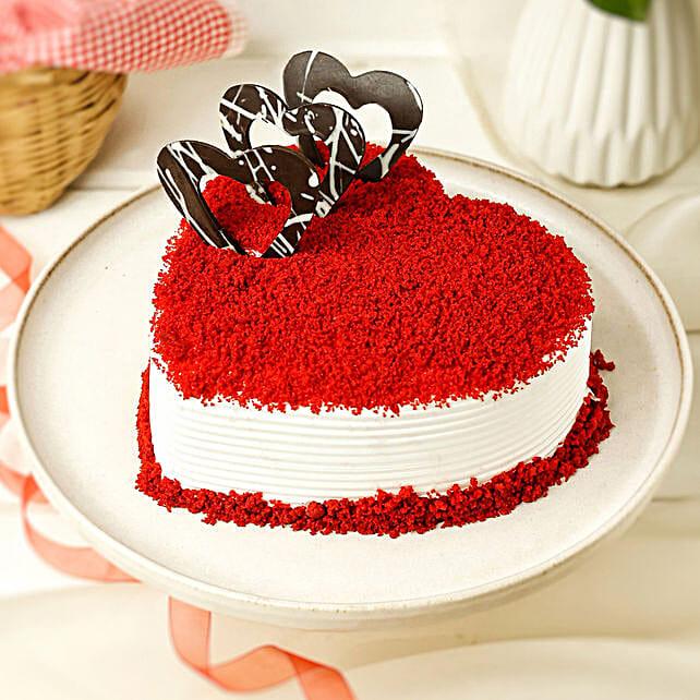 Red Velvet Heart Cake half kg:Gift Store