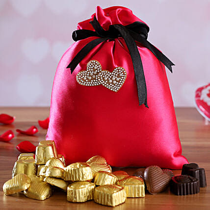 valentine chocolates in potli:Handmade Chocolate Box