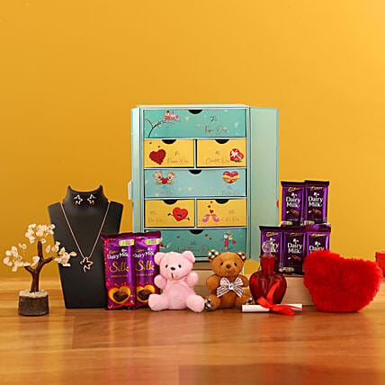 Valentines Week Love Box:Promise Day Soft Toys