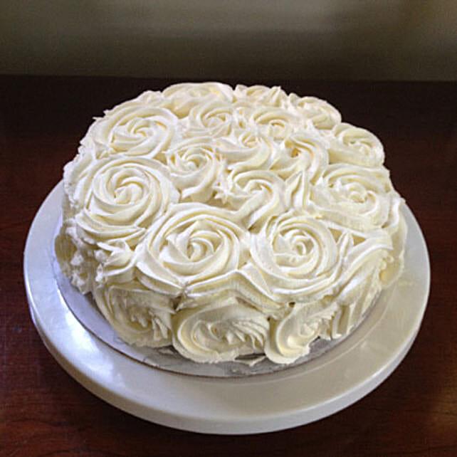 White Rose Cake Half kg:Rose Cake