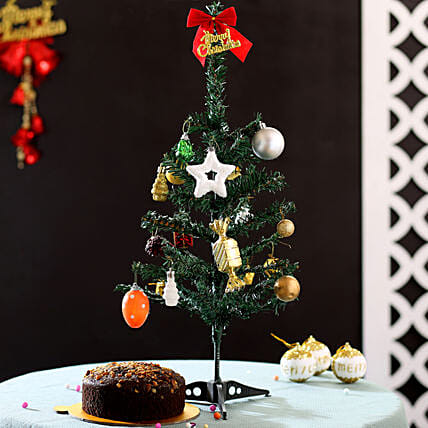 Christmas Tree with Plum Cake Online