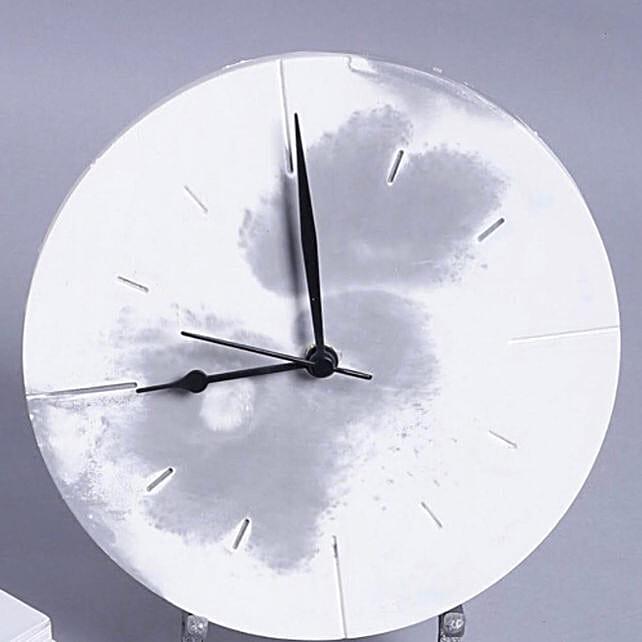 Online Marbled Clock
